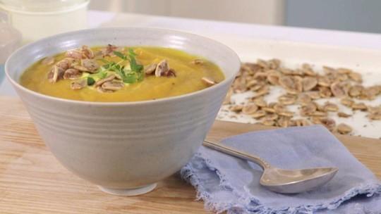Liz Earle pumpkin soup recipe/ pumpkins for beauty
