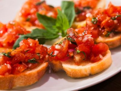Tomato Bruschetta Appetizer for the Holidays