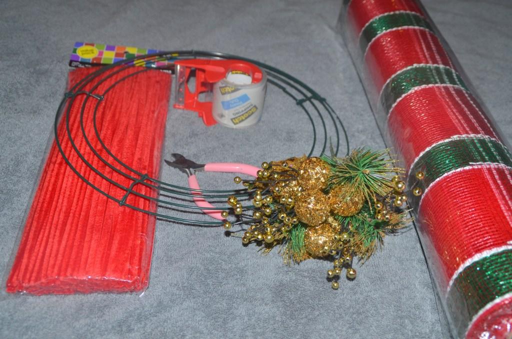 Deco Mesh Christmas Wreath Tutorial