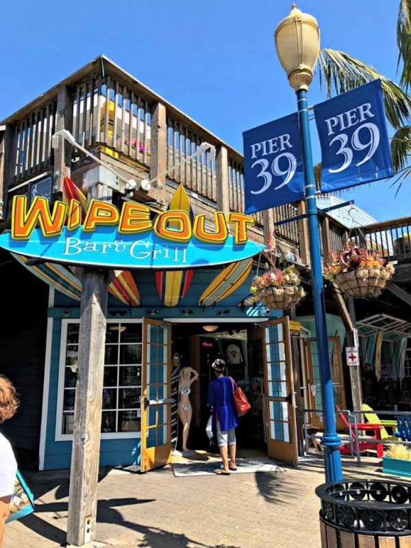 Wipeout Bar & Grill