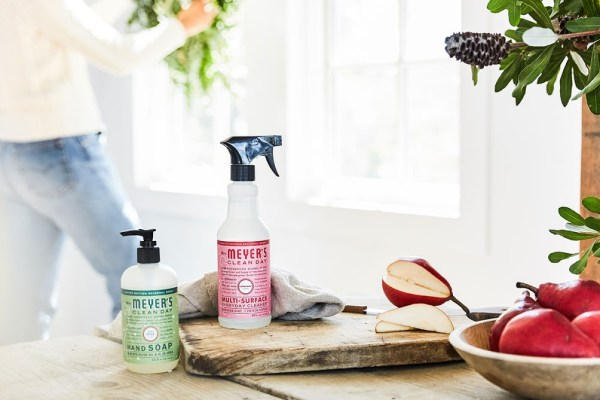 FREE Mrs. Meyer's Holiday Set from Grove Collaborative
