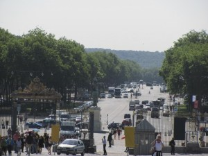Near the front gate of the palace of Versailles in France. The mobs of the French Revolution ran up this boulevard to capture the king and overthrow the government. Photo by Donna L. Long, 2014. All right reserved.