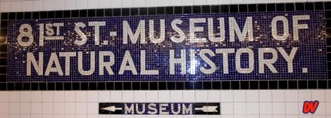 Indicazione del museo dalla metro