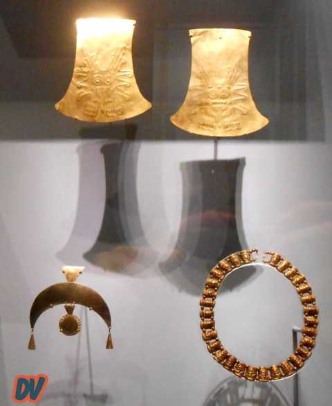 Monili in oro.