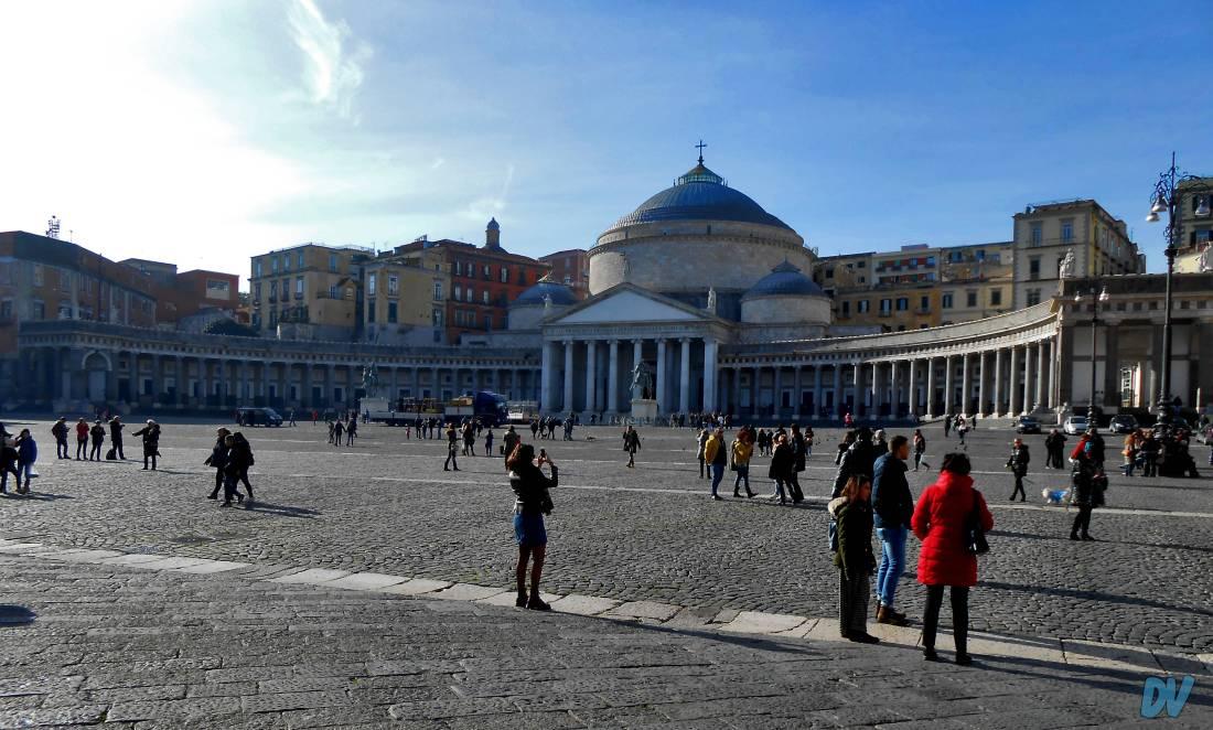 Napoli_copertina