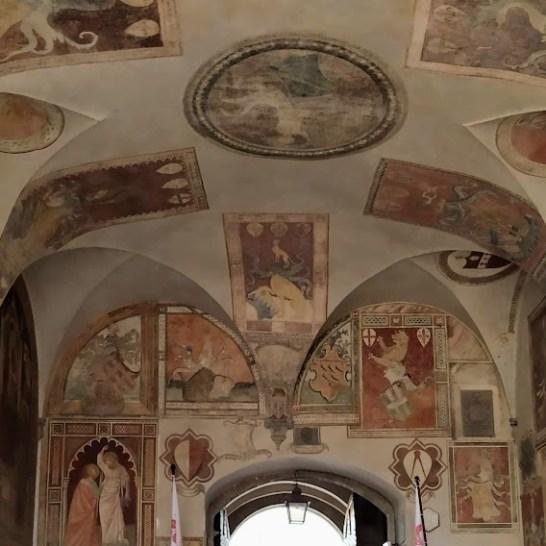 Scarperia, il soffitto affrescato del Palazzo dei Vicari