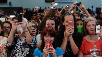 pessoas-viciadas-em-smartphone