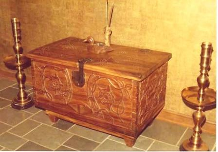 Carved Chest from Don´s Colonial Line