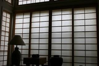 Rice Paper Walls - by Matt Litt via Flickr - ShareAlike 2.0 Generic - https://www.flickr.com/photos/smorked/2096018330