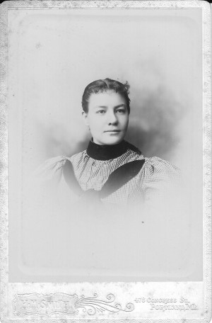 Photo of Edith Soule.