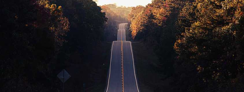 A long narrow road
