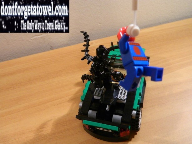 LEGO Spider-Man Spider-Cycle Chase 09