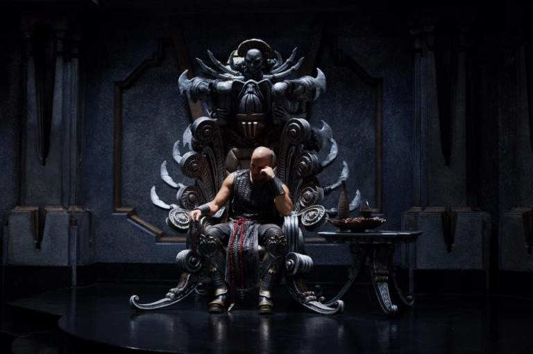 Riddick on Furyan throne