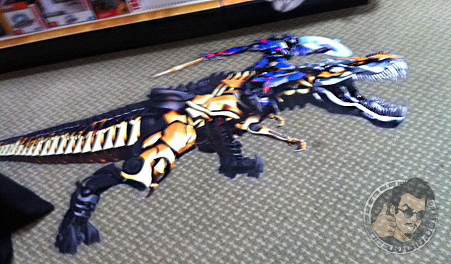 Optimus Prime and Grimlock Transformers Age of Extinction blurry