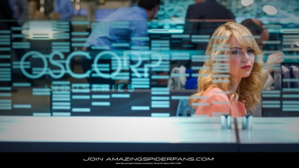 gwen stacy at oscorp amazing spiderman 2