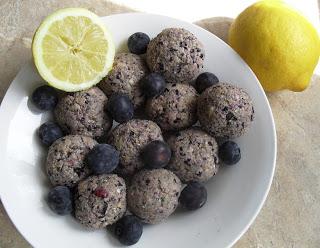 Blueberry lemon shortcake bites energy balls Lunch snack Uncategorized vegan