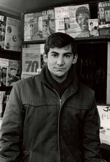 Chicago writer Robert M. Katzman in front of Bob's Newsstand
