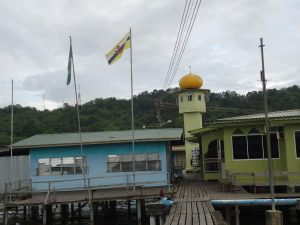 mosque kampong ayer venice of the east brunei