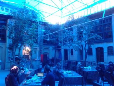 niayesh hotel shiraz courtyard