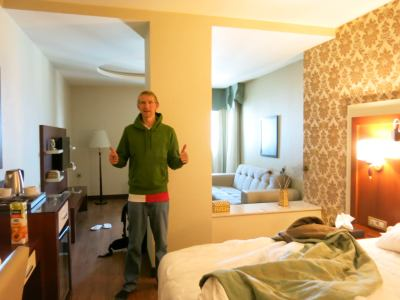 As a budget backpacker we really loved the luxury of this hotel for a few nights