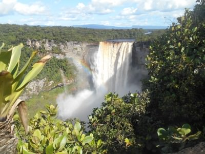 backpacking guyana waterfalls