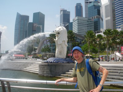 Checking out the squirting Merlion in Singapore.