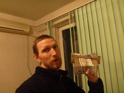 Backpacking through Uzbekistan with shitloads of cash