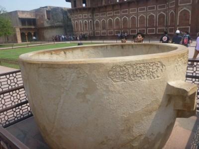Massive bathing tub