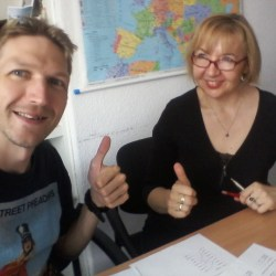 Learning Polish with Alina: Jestem Jonny, Jestem Irlandzkim Pisarzem Podróżnikiem z Dontstopliving.net