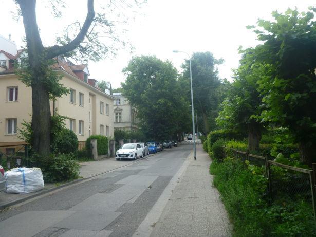Walk to the Russian Embassy in Gdansk.