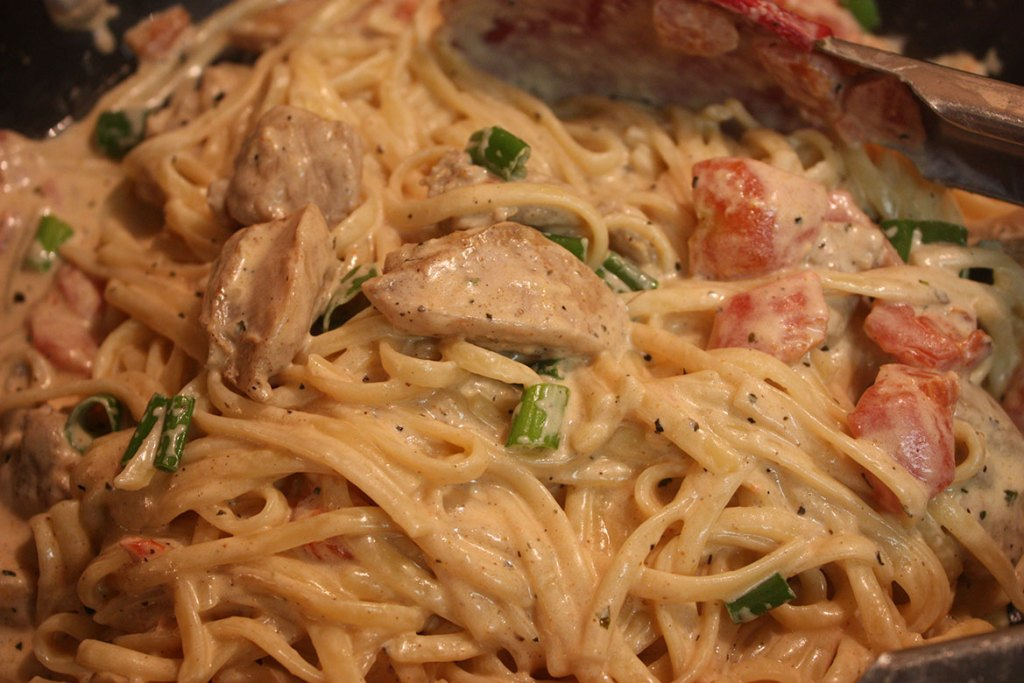 Cajun Chicken Pasta - Incredibly flavorful, super quick weeknight meal!