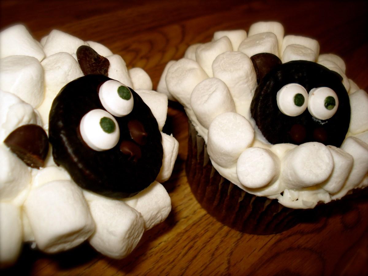 Fluffy Sheep Cupcakes Donttellmartha