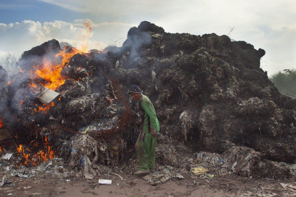 burning waste Indonesia