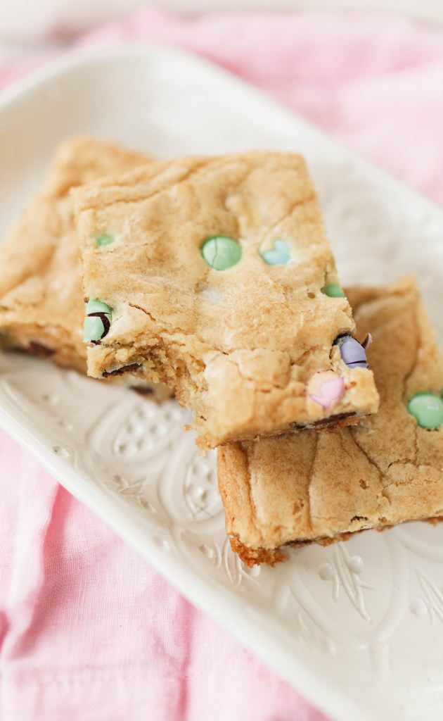 m&m Springtime Blondies