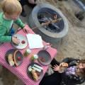 Snobrød og pølser til aftensmad