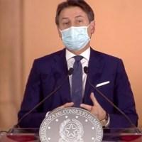 """Covid, Conte: """"In Italia scenario di tipo 3. Intervenire ora o sfugge tutto di mano"""""""