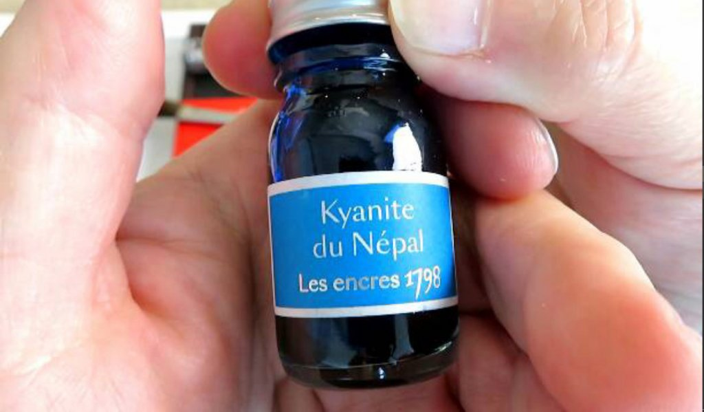 Kyanite du Népal Trial Ink Bottle