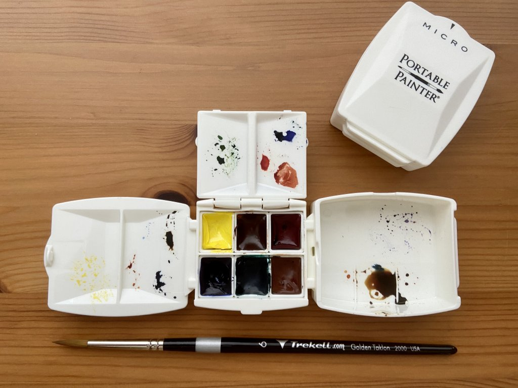 Portable Painter Micro with filled watercolor half Pans