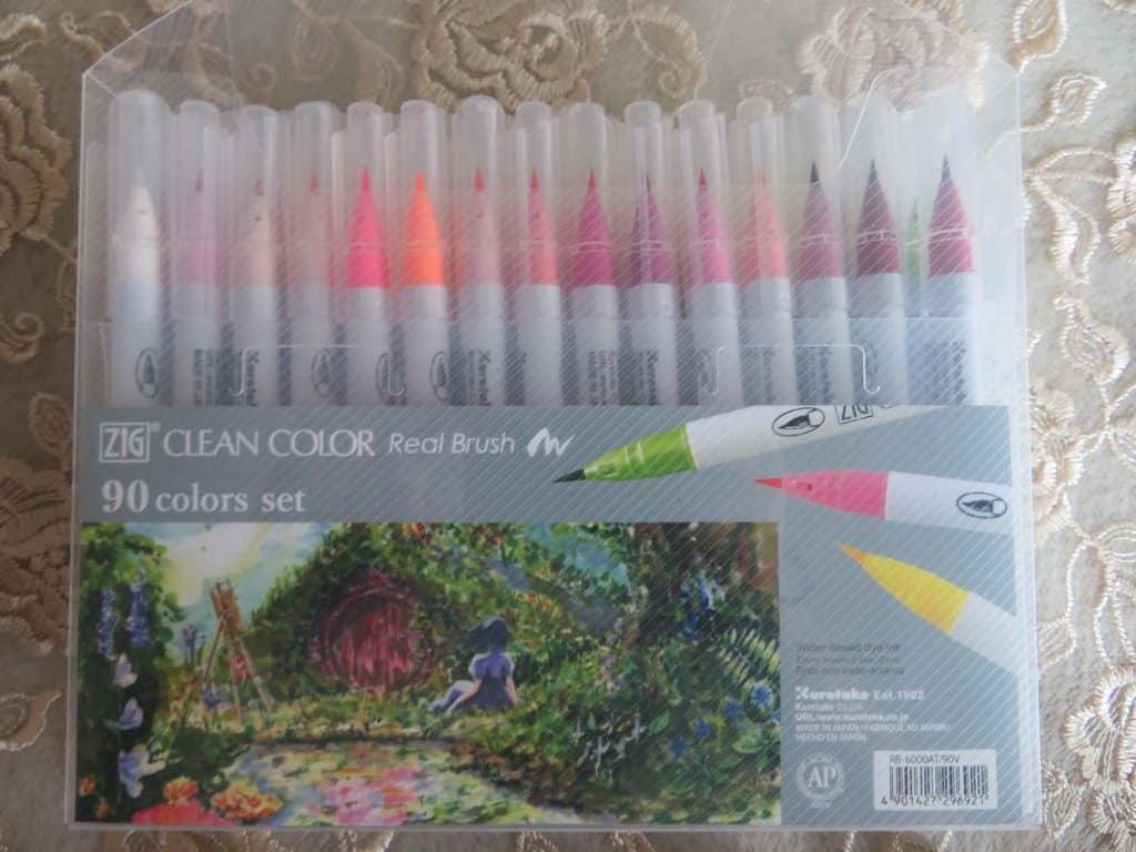 ZIG Clean Color Real Brush Pen Packaging
