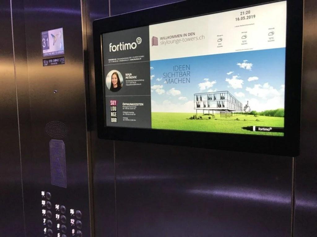 Infoscreen im Lift fortimo