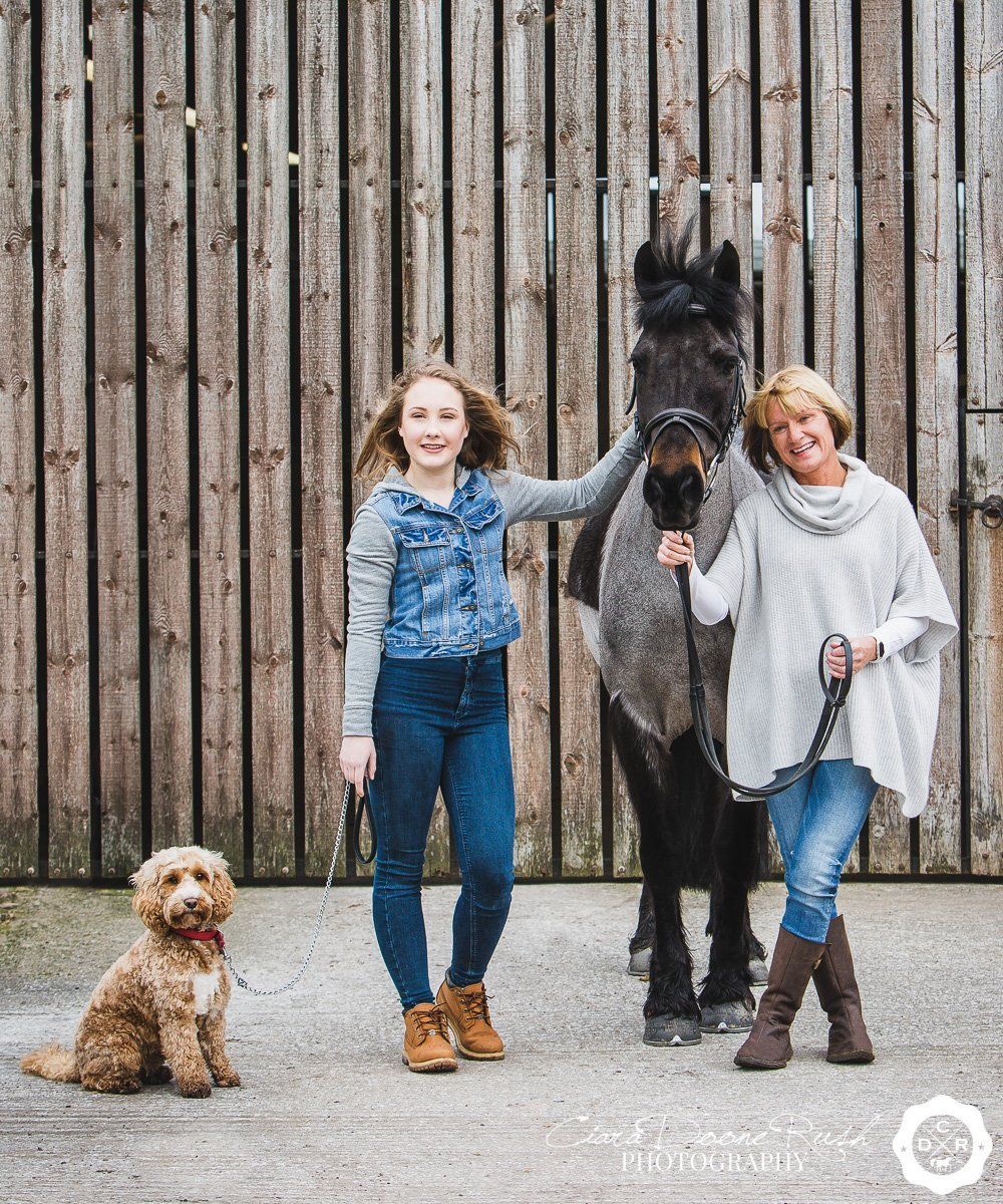 family and animal photo shoot in cheshire