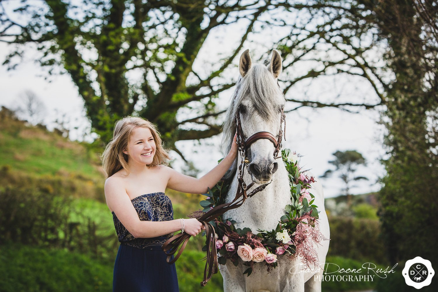 horses, flowers and models