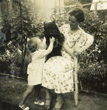1935-elisabeth2-18mos