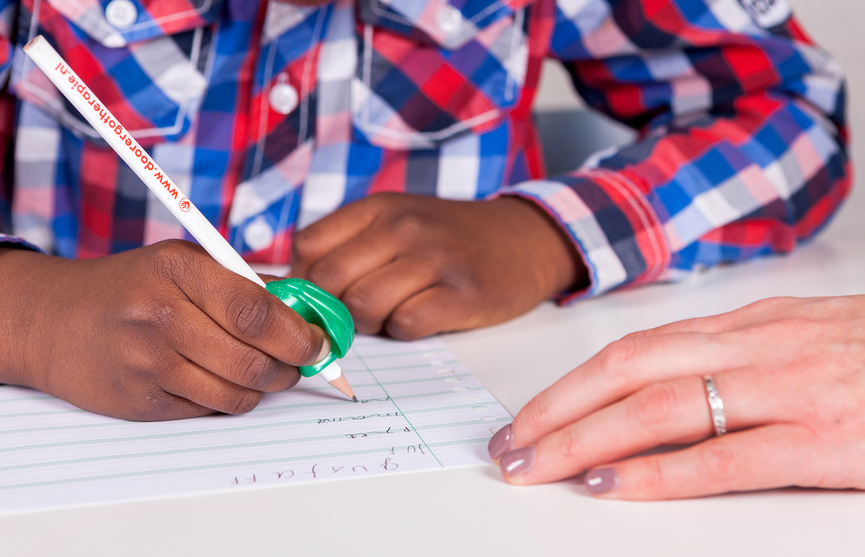 Door Ergotherapie leren schrijven