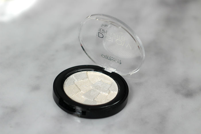 catrice 3d glow highlighter icy glaze 3