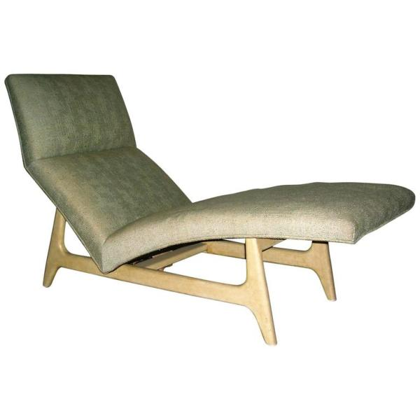 Modernist Chaise Lounge