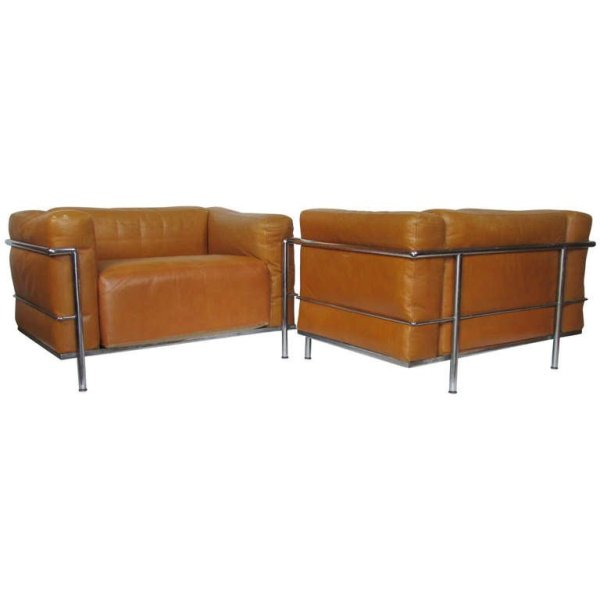 Pair Le Corbusier LC3 by Cassina