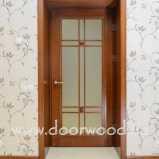 Дверь с нестандартным открыванием вовнутрь короба. Межкомнатные двери из ясеня. Объект частный дом харьковской области.