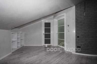 Радиусная дверь прекрасно вписывается в интерьер.