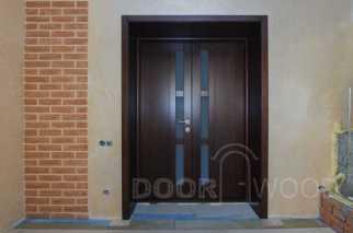 Двустворчатая межкомнатная дверь из ясеня, вид со стороны комнаты